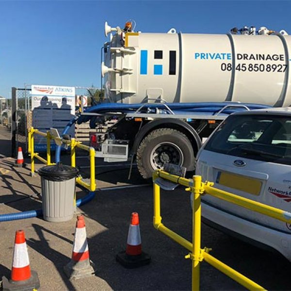 liquid-sewage-waste-removal-tanker-middle